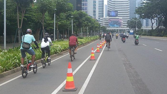Masih Banyak Pesepeda di Jakarta Tak Pakai Jalur Sepeda di Kawasan Sudirman Thamrin