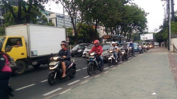 Pengendara Motor Dihukum Denda Rp 250 Ribu Jika Lewat Jalur Sepeda Waspadai Jalur Sepeda Berikut