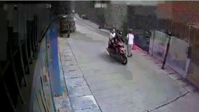 Terekam CCTV, Jambret Anak SD Kembalikan Handphone Oppo Curian Lewat Ormas