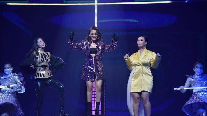 Dewi Perssik, Ayu Ting Ting dan Zaskia Gotik berkolaborasi di Jejak Waktu ANTV 28 Tahun, Sabtu (20/3/2021) malam.