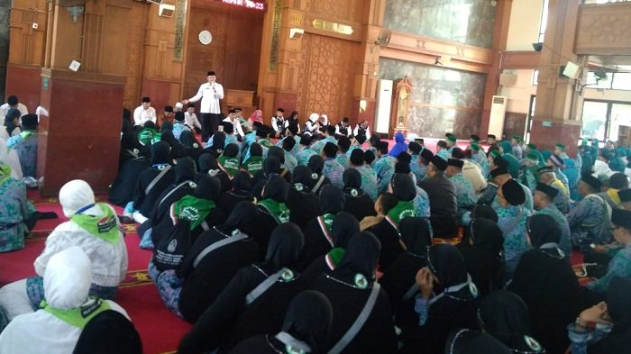 Sebanyak 808 Jemaah Haji Asal Kota Depok Diberangkatkan