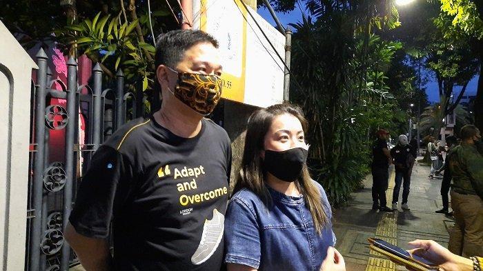 Kisah Misa Malam Natal Pertama Flaurentcia di Tengah Pandemi, Tanpa Sang Ibu dan Anak