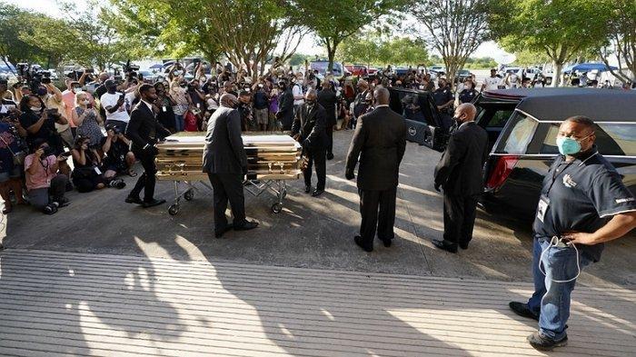 Ribuan Orang Beri Penghormatan Terakhir kepada George Floyd yang Dimakamkan Hari Ini