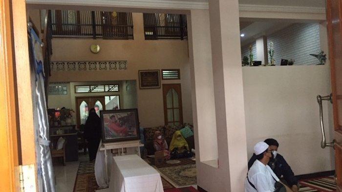 BREAKING NEWS:  Jelang Pemakaman, Keluarga Bersiap Sambut Jenazah Kapten Afwan di Cibinong