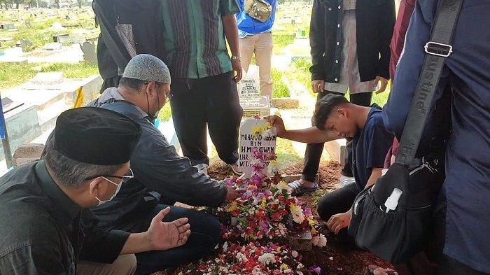 Wakil Ketua Dewan Kota Jakarta Utara M Rivai Dimakamkan di TPU Semper