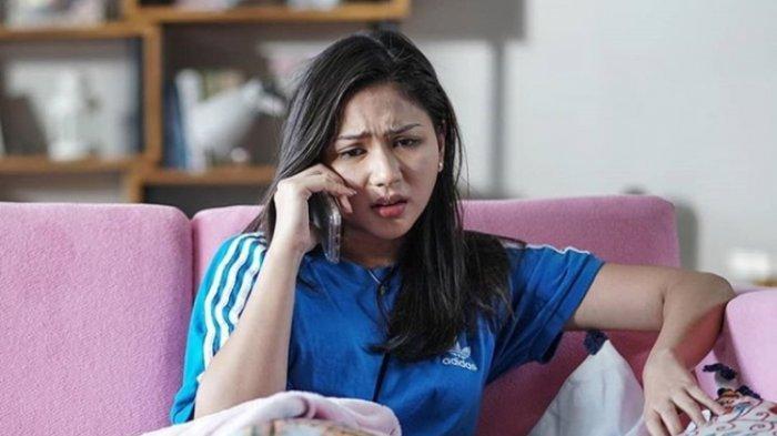 Salah satu adegan film Bridezilla yang dimainkan Jessica Mila. Di film garapan sutradara Andi Bachtiar Yusuf dan ditayangkan di bioskop medio Agustus 2019 itu Jessica Mila memainkan peran Dara, perempuan yang siap menikah.