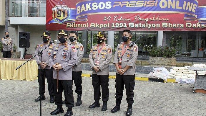 Jakarta Garden City Bersama Alumni Akpol 91 Bagikan Paket Sembako Secara Online