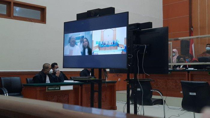 Divonis 15 Tahun Penjara Atas Pembunuhan Anak Buah Nus Kei, John Kei Tertawa Terbahak