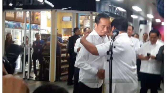 Pertemuan Jokowi dan Prabowo, Pendukungnya Teriak: We Love You Jokowi-Prabowo