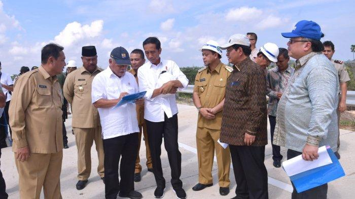 Perkasa atas Prabowo di Perolehan Real Count Pilpres, Jokowi Tinjau Calon Ibukota Baru RI di Kaltim