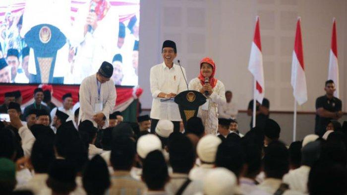 Wanita Banser NU Minta Gaji Bulanan kepada Jokowi