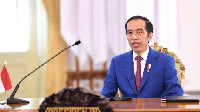 Presiden Jokowi Minta Mahasiswa Tak Hanya Belajar pada Dosen