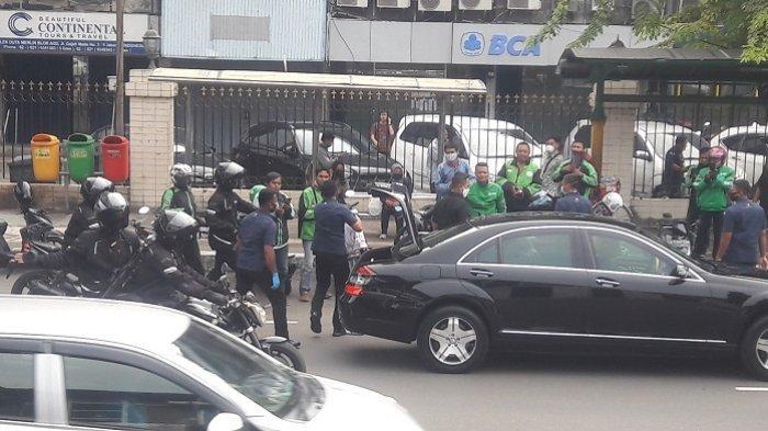 Jokowi Kerap Dikritik karena Bagikan Sembako di Jalan, ini Penjelasan Istana