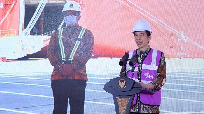 Presiden Joko Widodo meluncurkan awal (soft launching) sekaligus meresmikan pengoperasian perdana Pelabuhan Internasional Patimban, Subang, Jawa Barat, pada Minggu (20/12/2020), dari Istana Kepresidenan Bogor, Jawa Barat.
