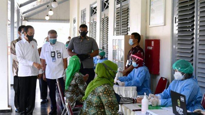 Presiden Joko Widodo Meninjau Pelaksanaan Vaksinasi Covid-19 di Yogyakarta