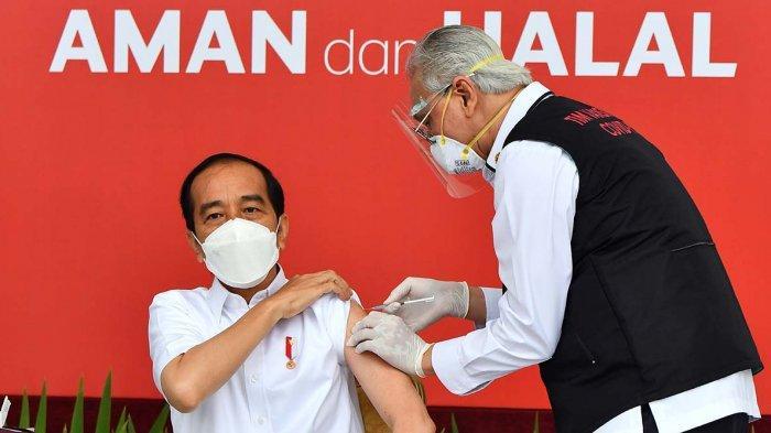 Tangan Vaksinator Gemetar Hebat Saat Suntik Presiden, Begini Tanggapan Jokowi