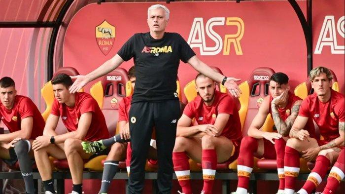 Jose Mourinho berhasil membawa AS Roma menang telak 10-0 atas