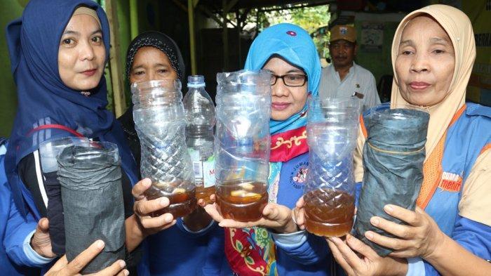 Jumantik RW 06 Kelurahan Tanah Sereal Bikin Alat Perangkap Nyamuk Demam Berdarah Dengue