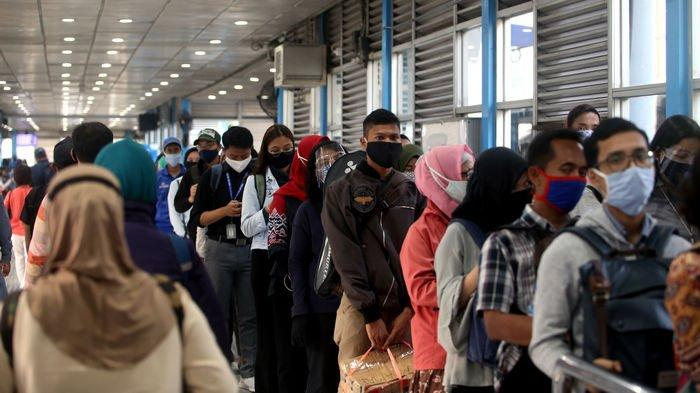 Tak Cuma Batasi Jam Operasional, DKI Juga Kurangi Jumlah Penumpang Angkutan Umum Selama PSBB