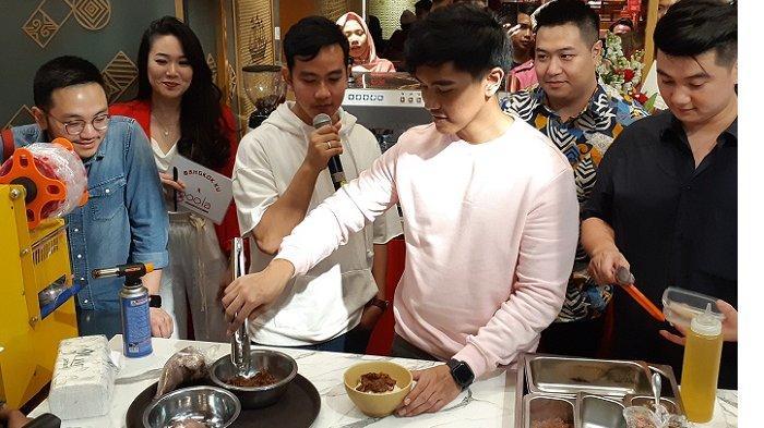Gandeng Chef Arnold Poernomo, Gibran dan Kaesang Buka Gerai FlagshipGoola dan Mangkok Ku di Kokas