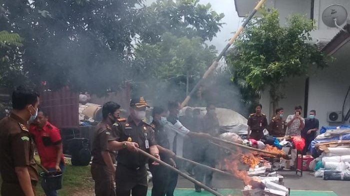 Kejari Kabupaten Tangerang Musnahkan Barang Bukti Hasil Kejahatan
