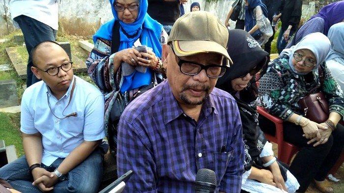 UPDATE Kakak Tertua Pupung Geram Pernyataan Aulia Kesuma soal KDRT, Pemakaman Diwarnai Tangisan