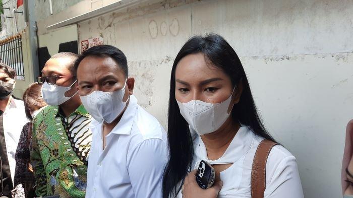 Kalina Oktarani Belum Bisa Tenang Saat Sidang Vonis Vicky Prasetyo Ditunda, Rasanya Terus Deg-degan