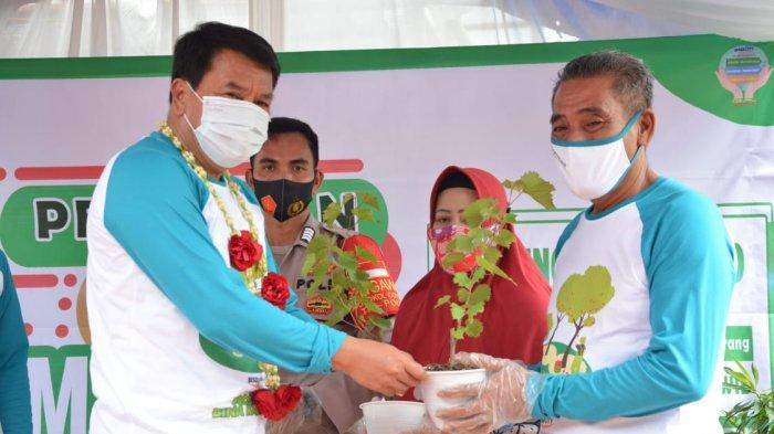 Sekretaris Daerah Kabupaten Tangerang, Maesyal Rasyid meresmikan Galeri Kampung Mantap Betul (Mandiri, Tahan Pangan, Bersih dan Unggul).