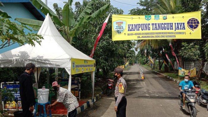 Keberadaan Posko Kampung Tangguh Jaya di Perumahan Basecamp, Kelurahan Jurumudi, Kecamatan Benda, Kota Tangerang sangat efektif menekan kasus aktif Covid-19 secara maksimal.