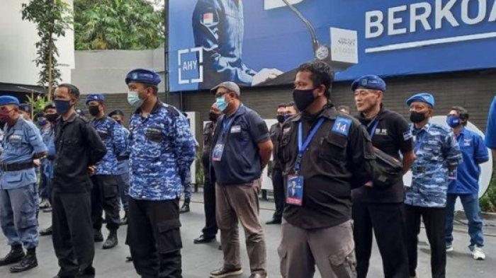 Satgas dan Kader Siaga 1 Jaga Kantor DPP Demokrat di Menteng, Antisipasi Direbut Pihak Moeldoko