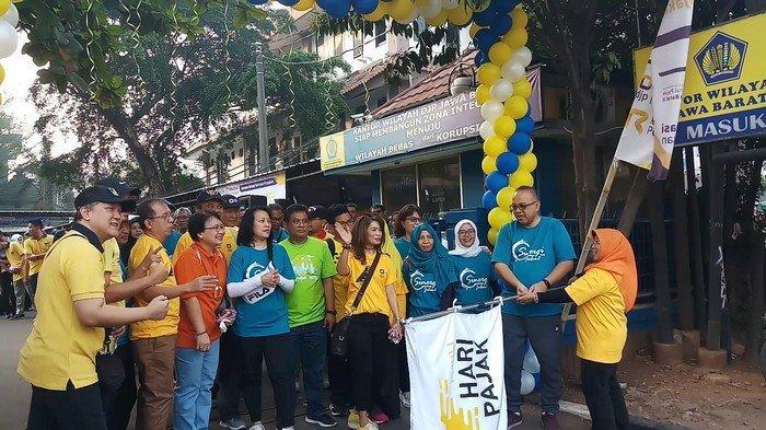 Hari Pajak Nasional Kanwil DJP Jabar II dan III Sosialisasikan Pentingnya Bayar Pajak di CFD Bekasi