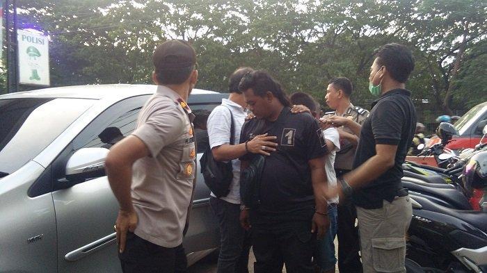 Sejumlah Delapan Preman Cengkareng yang Jadi Calo SIM Ditangkap Polisi karena Mengeroyok Wartawan