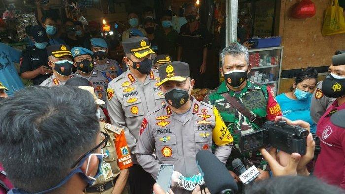 JAKARTA Bermasker TNI-Polri: Polda Metro dan Kodam Jaya Bagikan 100.000 Masker Gratis Setiap Hari