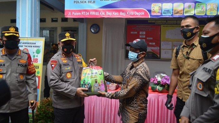 Kunjungi Kampung Tangguh Beji Depok, Kapolda Metro Jaya Sebut PPKM Mikro Cara Ampuh Tekan Covid-19