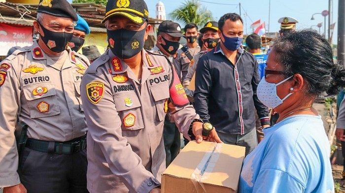 Peringati HUT ke-75 RI, Polres Metro Jakarta Utara Berikan Bantuan 1.905 Sembako