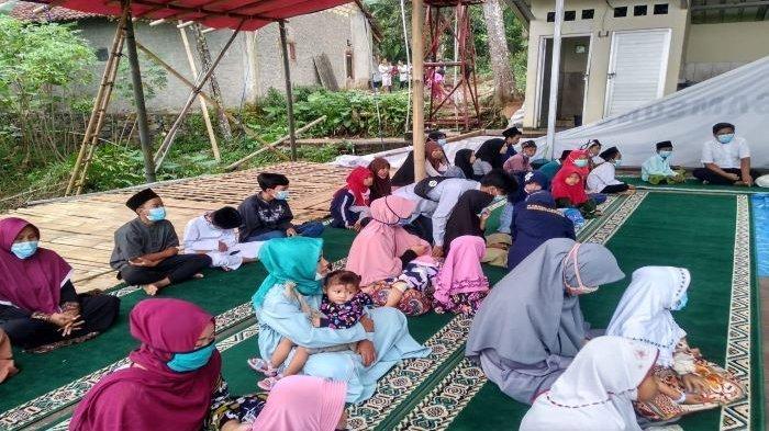 Isi Ramadan, Karang Taruna Desa Sukajaya, Tamansari, Kabupaten Bogor Menggelar Aksi Sosial
