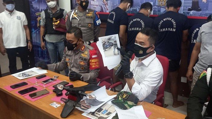 TNI Gadungan Berseragam Loreng Bawa Kabur Motor Kawasaki Ninja saat COD, Dijual ke Penadah Rp7 Juta