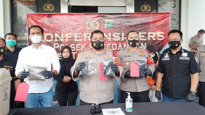 Kapolres Tangsel, AKBP Iman Imanuddin saat merilis kasus di Mapolres Tangsel terkait pengguguran janin oleh ibunya di Kabupaten Tangerang, Selasa (4/3/2021)