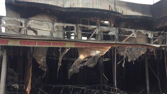 Nyaris Terperangkap Api, Pengunjung Panik Berhamburan Saat Cahaya Swalayan Dilalap Si Jago Merah