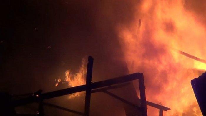 50 Rumah Hangus Terbakar di Pademangan, Menjelang Warga Berbuka Puasa