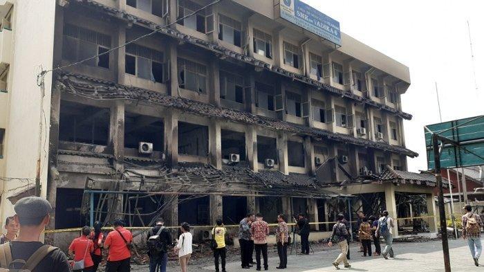Kebakaran Hanguskan Gedung SMK Yadika 6 Pondok Gede, Untung Rapot dan Ijazah Aman