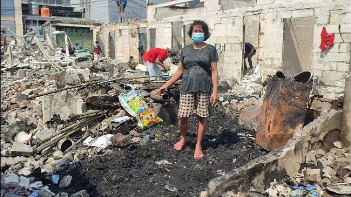 Baru Pulang dari Serang, Rohayati Shock Mendapati Rumahnya di Teluk Gong Hangus Terbakar