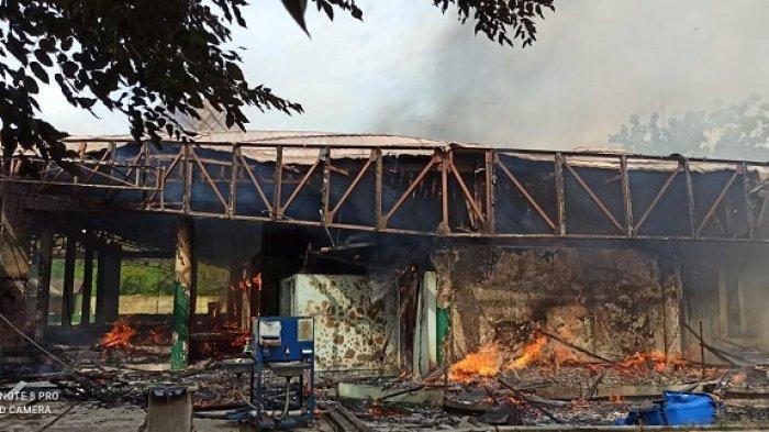 Masjid JIEP Jayakarta Terbakar, Tujuh Unit Damkar Diterjunkan, Diduga Kuat Akibat Korsleting Listrik
