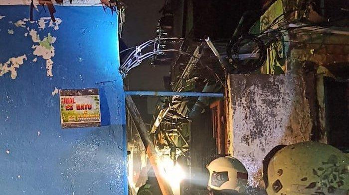 Korsleting Listrik, Empat Kontrakan di Pulogadung Terbakar Kamis Dini Hari