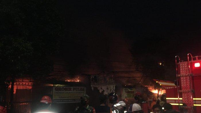 Pasar Swalayan Cahaya di Cilandak Terbakar, 10 Unit Damkar Dikerahkan