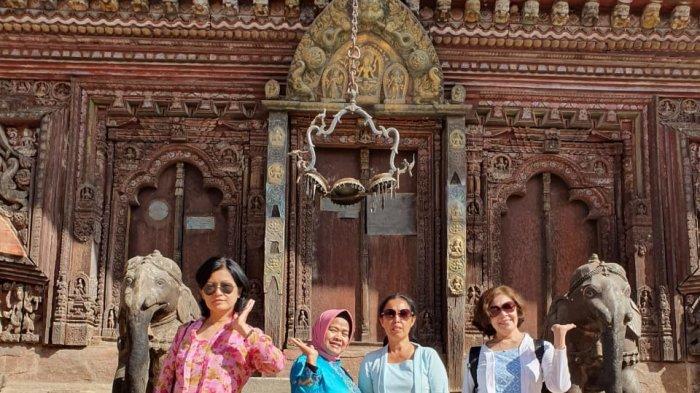 Setelah batik ditetapkan sebagai warisan budaya milik Indonesia  oleh United Nations Educational, Scientific and Cultural Organization (UNESCO)  pada 2 Oktober 2009, ada keinginan kebaya juga.