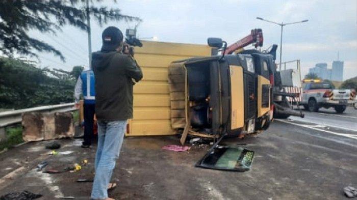 Kecelakaan Beruntun Terjadi di Tol Merak-Jakarta, Libatkan 4 Mobil