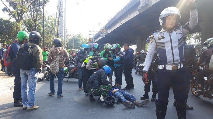Diduga Ngantuk, Pengendara Motor Matic Terpental di Jalan Yos Sudarso Alami Pendarahan