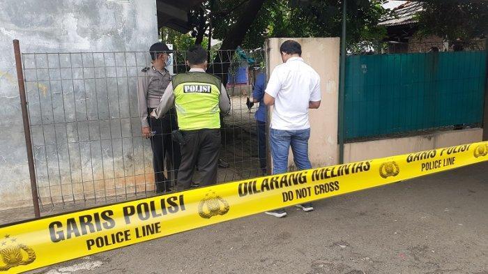 VIDEO Suasana Kediaman Pelaku Mutilasi di Bekasi Jelang Rekontruksi