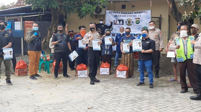 VIDEO: IJTI Tangsel, B'Brothers Indonesia dan Polres Tangsel Berbagi Sembako untuk Warga